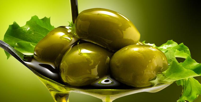 Olio, olive e insalata
